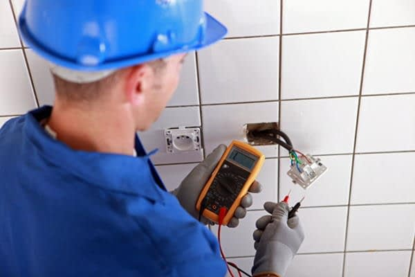 domestic electrician conducting rewire